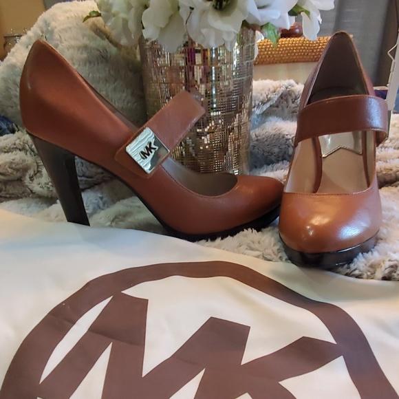 Michael Kors Mary Jane Devenport  heels